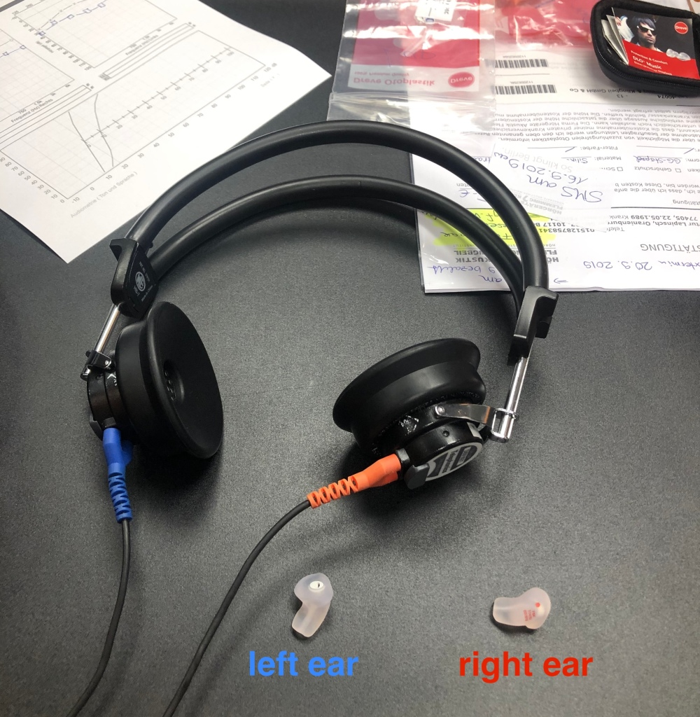 Color coding: earplugs are easy to tell apart